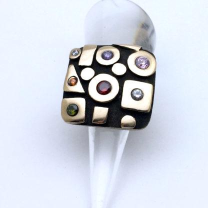 Bague réglable en bronze oxydée avec pierres de couleur